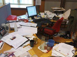 rommelig-bureau